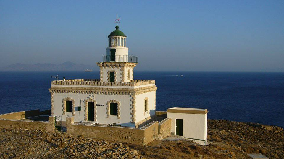 Serifos-meet-the-locals-the-lighthouse
